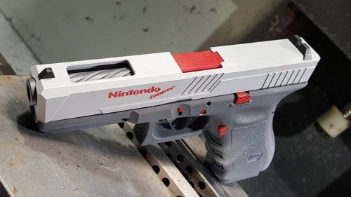 nintendo-light-gun-glock.jpg